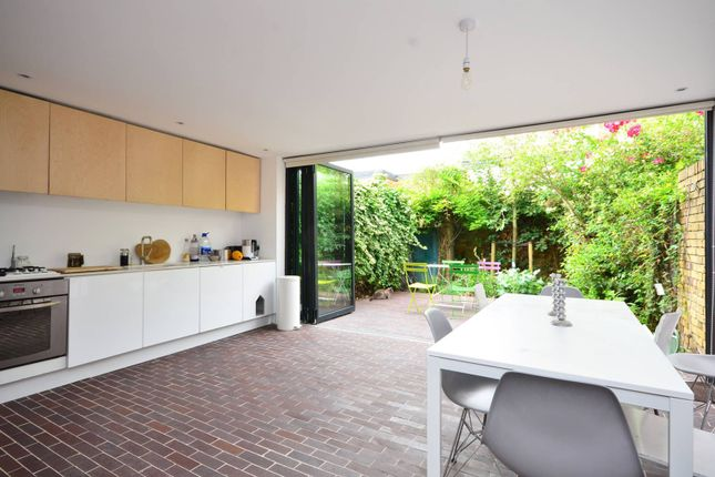Thumbnail Property to rent in Ebbisham Drive, Vauxhall