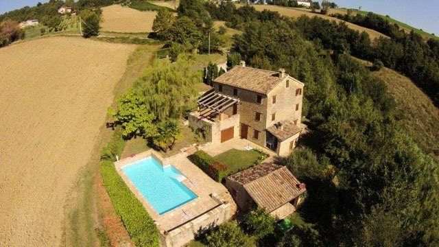 4 bed property for sale in Casa Tre Piani, San Ginesio, Le Marche