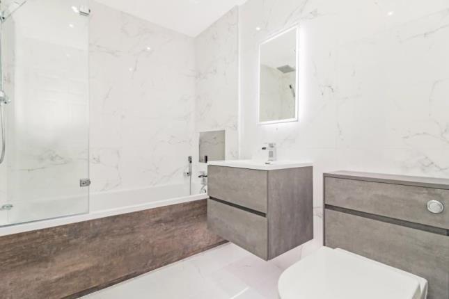 Bathroom of Shaw Farm Apartments, 64 Newtonlea Avenue, Newton Mearns, East Renfrewshire G77