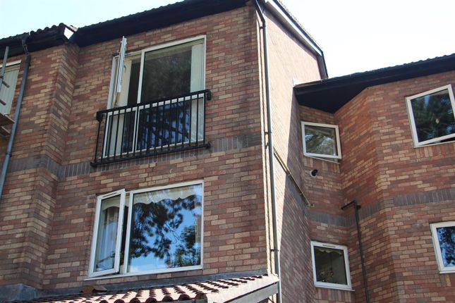 Thumbnail Flat for sale in Bronrhiw Fach, Caerphilly