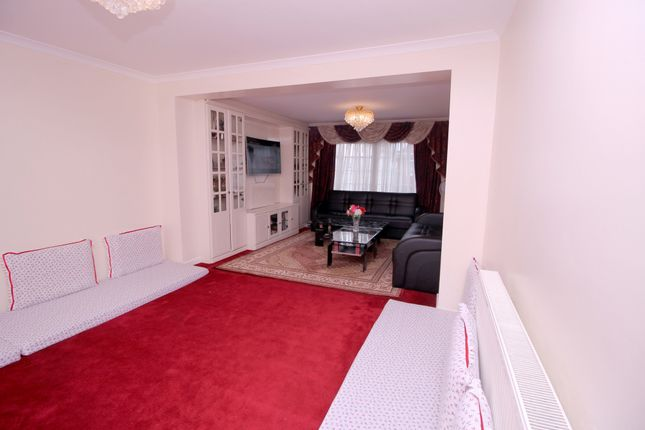 Thumbnail Semi-detached house to rent in Summerhouse Avenue, Hounslow, Middlesex
