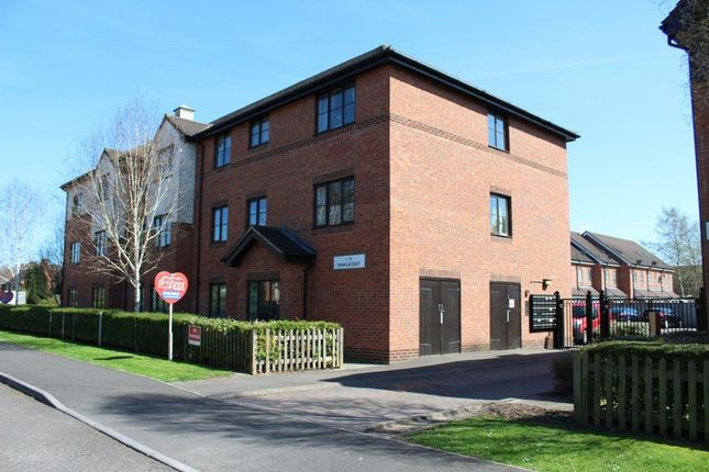 Thumbnail Flat for sale in Franklin Court, Whetstone Road, Farnborough