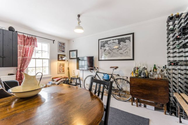 Thumbnail Flat for sale in Ringslade Road, Wood Green