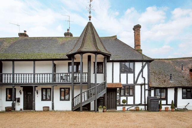 4 bed property for sale in Black Lake Close, Egham