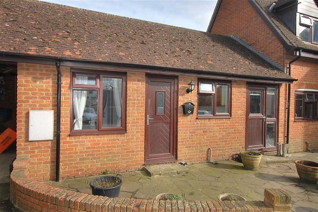 Thumbnail Studio to rent in Wood End, Wood End Village, Herts