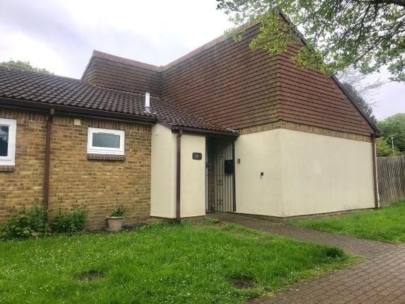 Thumbnail Bungalow for sale in Kite Way, Letchworth Garden City, Hertfordshire