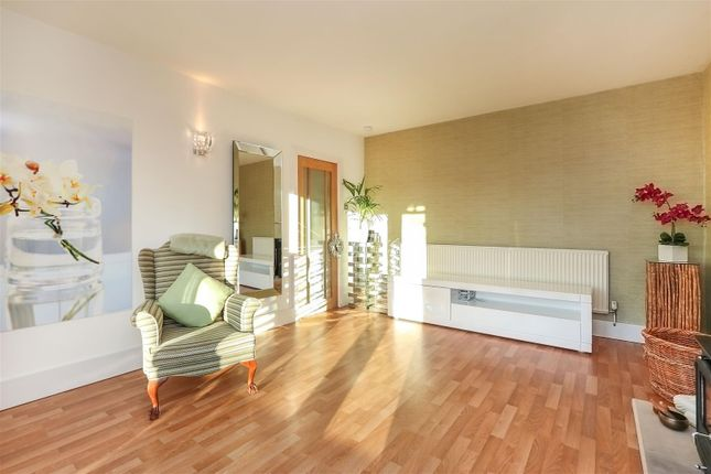 Living Room of Hackney Road, Hackney, Matlock DE4