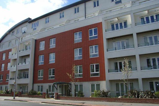 Thumbnail Flat to rent in Park Lane, Croydon