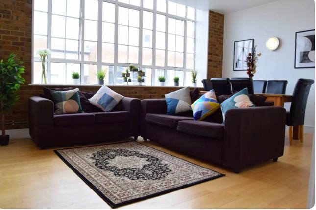 Thumbnail Flat to rent in Peckham Grove, London