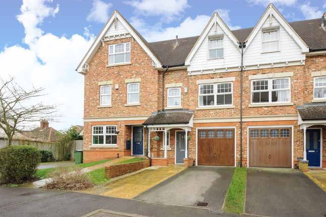 Thumbnail Town house to rent in Barkers Meadow, Ascot