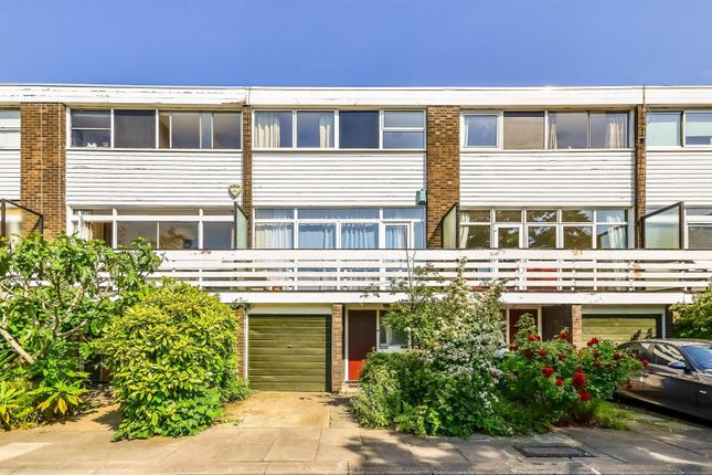 Thumbnail Town house to rent in The Hamlet, Champion Hill, London