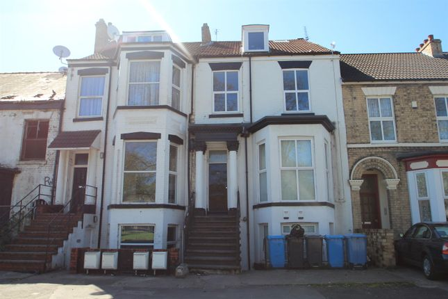 Thumbnail Flat for sale in Anlaby Road, Hull