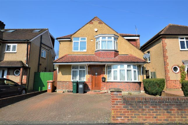 Thumbnail Detached house for sale in Manor Way, Croxley Green, Rickmansworth