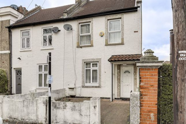 Thumbnail Terraced house for sale in Nightingale Road, London