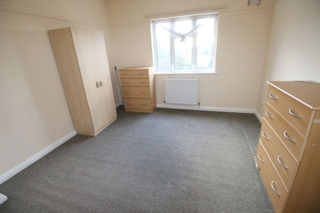 Thumbnail Flat to rent in Broadway, Kingston Road, Staines-Upon-Thames, Surrey
