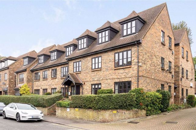 2 bed flat for sale in St. Christophers Court, Lower Road, Chorleywood, Rickmansworth WD3