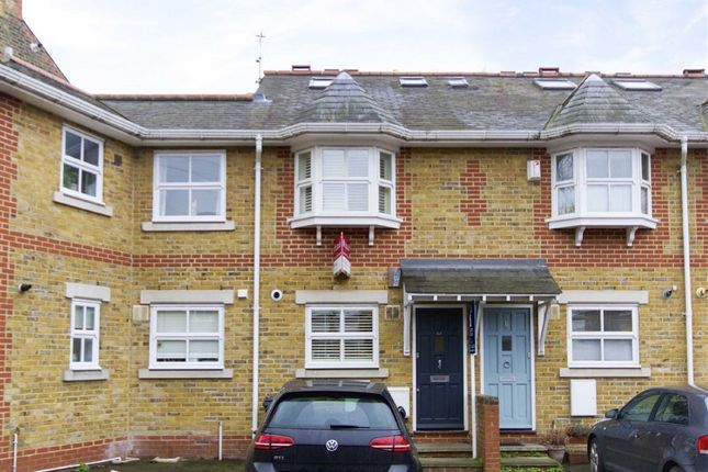Thumbnail Property for sale in Iveley Road, London