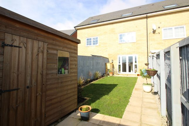 4 bed town house for sale in Sgt Mark Stansfield Way, Hyde SK14