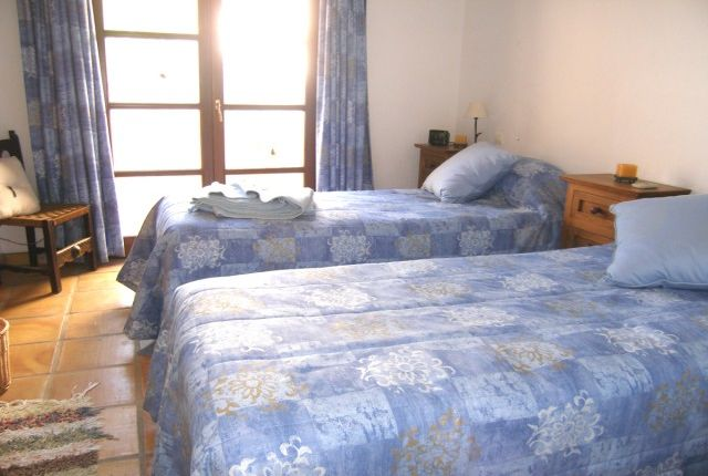 Lower Guest Room2