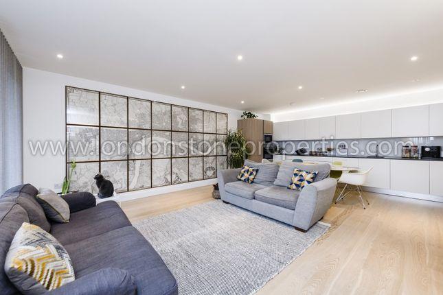 Living Area of Duke Of Wellington Avenue, London SE18