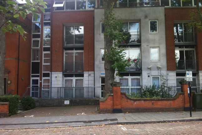 3 bed flat for sale in Harrow Road, London