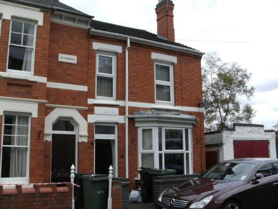 Thumbnail Semi-detached house to rent in Richmond Road, Worcester