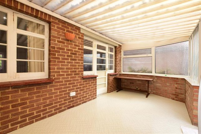 Thumbnail Bungalow for sale in Lynton Road, Petersfield, Hampshire