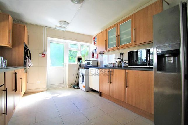 Thumbnail Terraced house to rent in Rossiter Road, Balham, London
