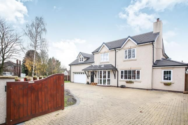 Thumbnail Detached house for sale in Kings Crescent, Middlewich, Cheshire