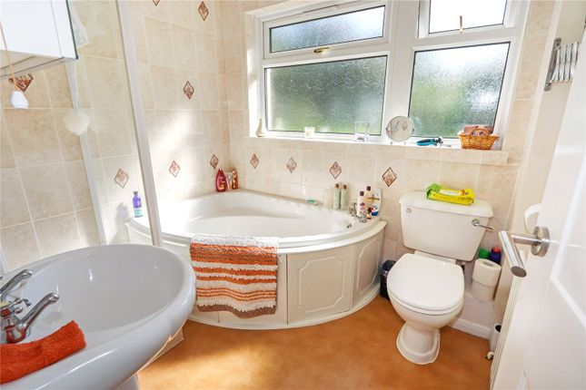Picture No. 12 of Lagoon View, West Yelland, Barnstaple EX31