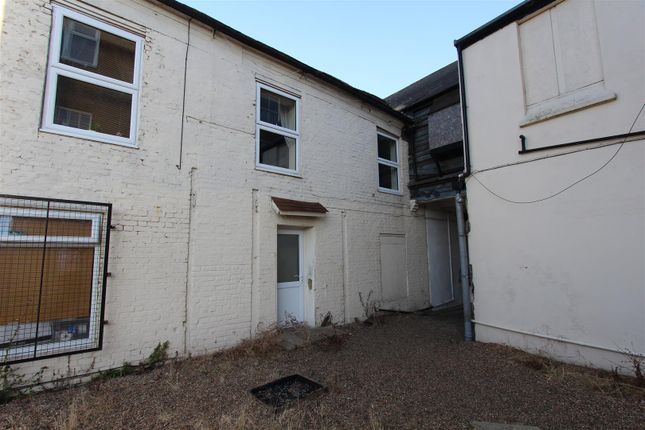 Thumbnail Flat to rent in West Street, Sheerness