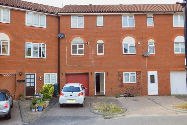 Thumbnail Terraced house for sale in Terminus Terrace, Southampton, Hampshire