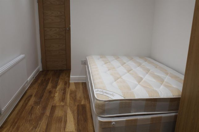 Thumbnail Property to rent in Cambridge Heath Road, London