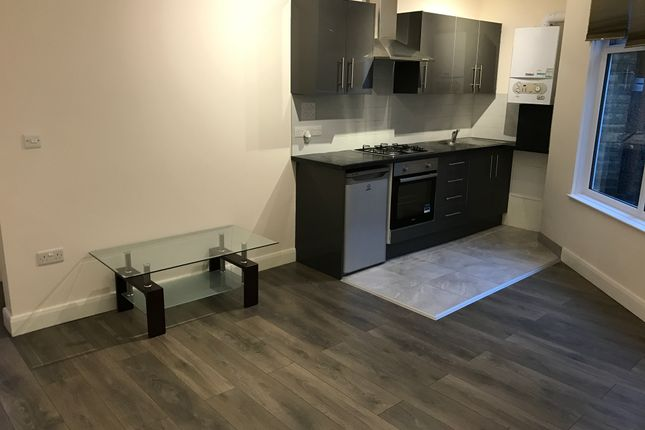 1 bed flat to rent in Muswell Hill Broadway, London N10