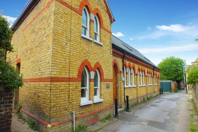 Thumbnail Flat to rent in Solomons Lane, Faversham