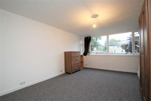 Thumbnail Property to rent in Barchester Close, Uxbridge, Middlesex