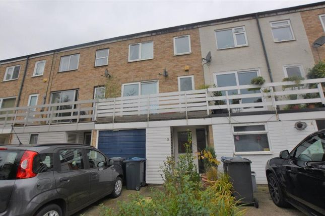 3 bed terraced house to rent in Wilton Close, Bishop's Stortford CM23