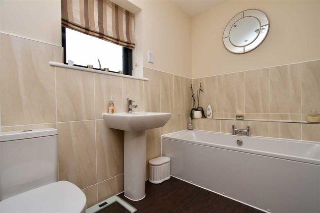 Family Bathroom of Fen Bight Walk, Ipswich IP3