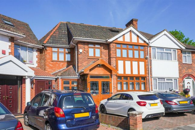 Thumbnail Detached house to rent in Gibbon Road, London