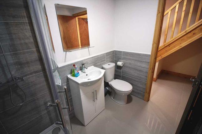 Bathroom of Queen Street, Treforest, Pontypridd CF37