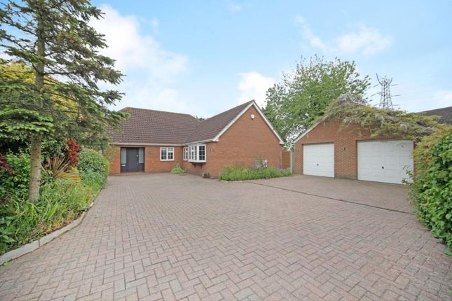 Thumbnail Property for sale in Hertford Road, Hoddesdon, Hertfordshire
