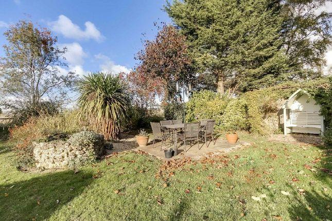 Picture No. 04 of The Avenue, Stanton Fitzwarren, Wiltshire SN6