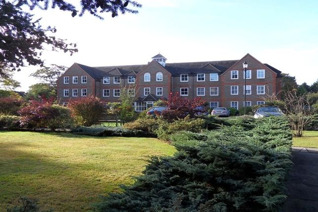 Thumbnail Flat for sale in West Court, West Drive, Sonning
