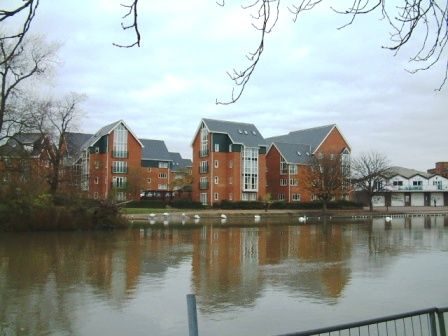 Thumbnail Flat to rent in Heron Quay, Bedford