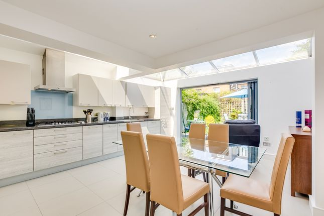 Thumbnail Terraced house to rent in Reckitt Road, London