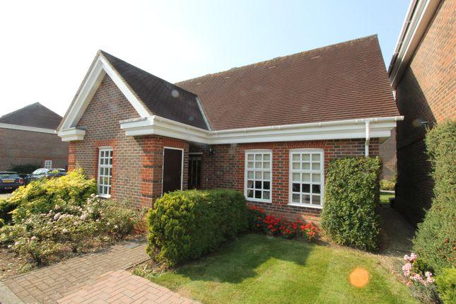 Thumbnail Bungalow for sale in 7 Benningfield Gardens, Castle Village, Berkhamsted, Hertfordshire