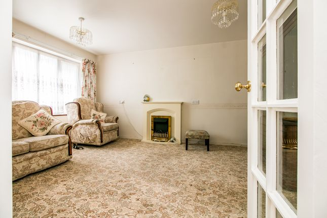 Thumbnail Flat for sale in Sycamore Close, London