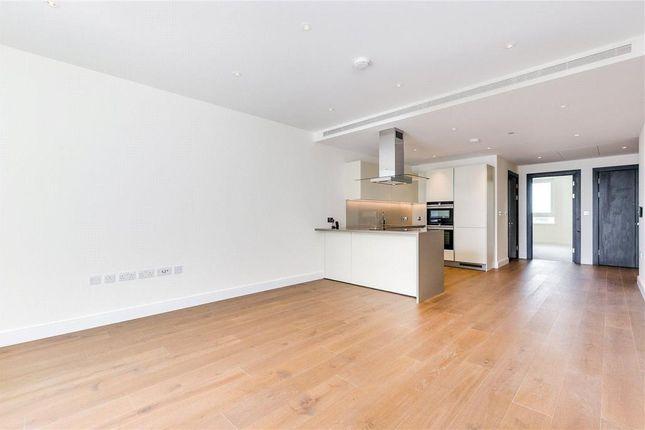 Thumbnail Flat for sale in Vista, Chelsea, Bridgewarf, 348 Queenstown Road, London