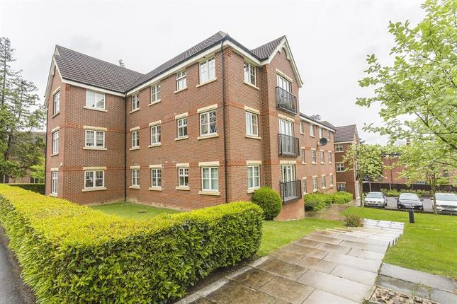 Thumbnail Flat for sale in Eothen Close, Caterham