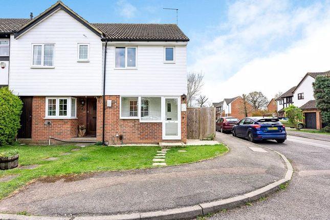 2 bed terraced house for sale in Coomb Field, Edenbridge TN8